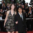 Yvan Attal et Charlotte Gainsbourg : Yvan n'a pu résister au charme de la ravissante et longiligne Charlotte...