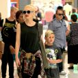 Gwen Stefani et Kingston le 9 juin 2013 à Los Angeles.