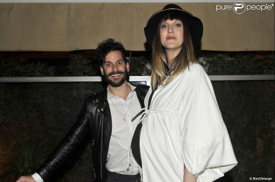 Gunther Love et Daphné Bürki, enceinte, à Cannes en mai 2013