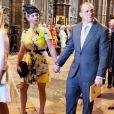 Zara Phillips et Mike Tindall à l'abbaye de Westminster le 4 juin 2013 lors du service pour le 60e anniversaire du couronnement de la reine Elizabeth II. Buckingham Palace a annoncé le 8 juillet que le couple attend un bébé, son premier enfant, pour le début d'année 2014.