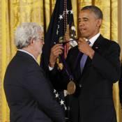 Barack Obama récompense George Lucas sous le regard passionné de Michelle