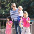 Jennifer Garner emmène ses enfants Violet, Seraphina et Samuel au parc à Pacific Palisades, le 15 juillet 2013.