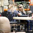 Fergie et sa mère Theresa Ann Ferguson à Culver City, Los Angeles, le 15 juillet 2013.