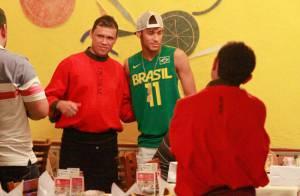 Neymar : La nouvelle pépite du Barça entre barbecue et autographes