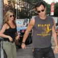 Jennifer Aniston et Justin Theroux à Chelsea, New York, le 20 juillet 2013.