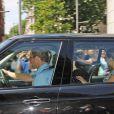 Le prince William, Kate Middleton et leur fils George de Cambridge quittent Kensington Palace le 24 juillet 2013 pour se rendre chez les Middleton à Bucklebury.