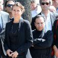 Aurelie Filippetti et Azzedine Alaiaaux obsèques de Valérie Lang au cimetière de Montparnasse à Paris le 25 juillet 2013
