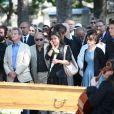 Marek Halter, Bernard Kouchner, Harlem Desir, Jean Benguigui, Jack Lang, sa femme Monique et leur familleaux obsèques de Valérie Lang au cimetière de Montparnasse à Paris le 25 juillet 2013