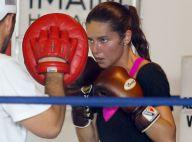 Adriana Lima : En plein effort à la boxe, elle reste... glamour !