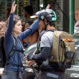 Taylor Lautner et Marie Avgeropoulos sur le tournage du film Tracers à New York, le 22 juillet 2013.