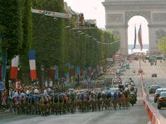 PHOTOS : Tous les people sur les Champs-Elysées pour le Tour de France !