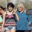 Debbie Rowe et sa fille Paris Jackson en mai 2013. L'ex-épouse de Michael Jackson était appelée à témoigner au procès d'AEG les 14 et 15 août.