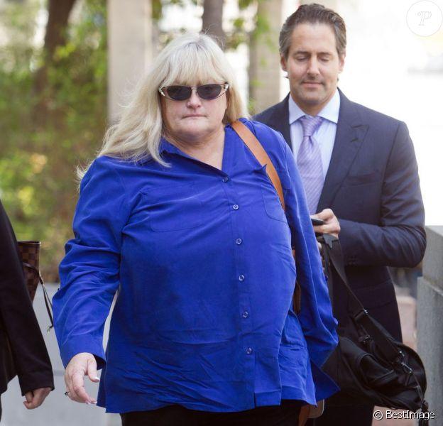 Debbie Rowe, l'ex-femme de Michael Jackson et mère des deux aînés, arrive au tribunal de Los Angeles en tant que témoin pour AEG Live dans le procès qui oppose la société de production à la famille Jackson. Le 14 août 2013.