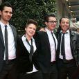 Les quatre finalistes de l'émission The Voice 2, Nuno Resende, Olympe, Loïs et Yoann Fréget aux côtés de Nikos Aliagas, lors du Global Gift Gala à l'initiative d'Eva Longoria, à l'hôtel George V à Paris, le 13 mai 2013