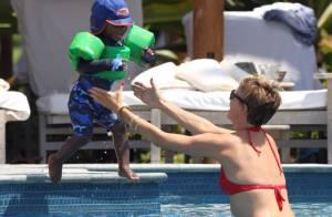 Charlize Theron : Sexy à 38 ans, elle se mouille pour son fils Jackson