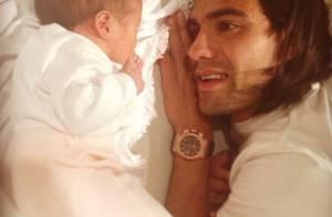 Falcao, papa ''amoureux'' : La star de l'AS Monaco présente sa petite Dominique