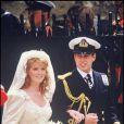 Sarah Ferguson et le prince Andrew, duc d'York, lors de leur mariage le 23 juillet 1986 à Londres.