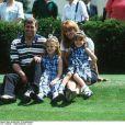 Le prince Andrew, sa femme Sarah Ferguson et leurs filles Beatrice et Eugenie en 1996