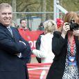 Le prince Andrew et la duchesse d'York au Marathon de Londres le 25 avril 2010