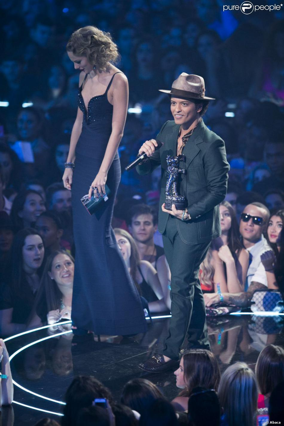 Bruno mars height taylor swift