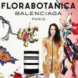 Kristen Stewart, dans la campagne publicitaire 2012 pour Florabitanica, le parfum de la maison Balenciaga.