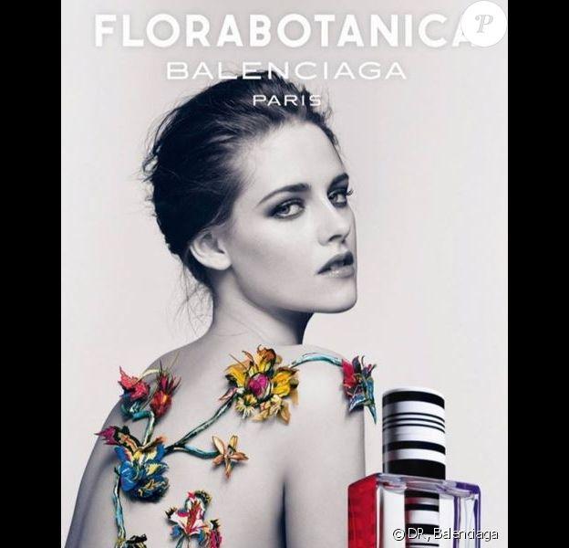 Kristen Stewart, dans la nouvelle campagne publicitaire pour Florabitanica, le parfum de la maison Balenciaga.