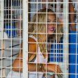 """""""Beyoncé s'éclate sur des ménages au parc d'attractions de Coney Island pour le tournage de son clip à New York, le 29 août 2013."""""""