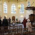 Des anonymes n'ont pas manqué de venir se recueillir et déposer des fleurs à l'église et au cimetière de Lage Vuursche, suite aux obsèques du prince Friso d'Orange-Nassau qui s'y sont déroulées le 16 août 2013.