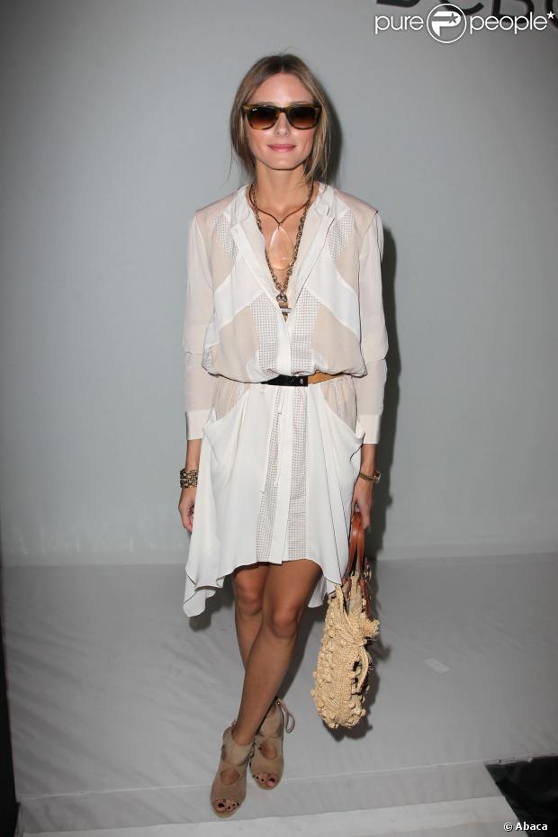 Olivia Palermo en petite robe blanche