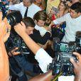 David Beckham et sa fille Harper provoquent une émeute à l'entrée du restaurant Balthazar, dans le quartier de SoHo. New York, le 8 septembre 2013.
