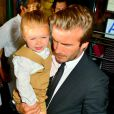 David Beckham et sa fille Harper quittent le restaurant Balthazar après un déjeuner en famille. New York, le 8 septembre 2013.