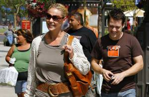 PHOTOS : Katherine Heigl et son meilleur ami T.R. Knight, impossible de faire son shopping tranquille !