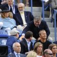 Leonardo DiCaprio, Sean Connery et Alec Baldwin lors de la finale de l'US Open entre Rafael Nadal et Novak Djokovic le 9 septembre 2013 à Flushing Meadows