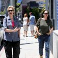 Jane Lynch et Lara Embry le 30 juillet 2013 à Los Angeles.