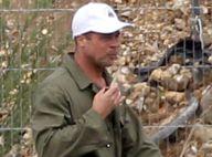 Brad Pitt, le crâné rasé : L'acteur a coupé ses longs cheveux blonds