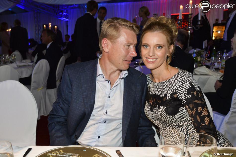 Mika Häkkinen, amoureux, et sa compagne Marketa Kromatova lors de la soirée de la Coupe des Présidents Hermès Eagle 2013 à Bad Griesbach le 14 septembre 2013