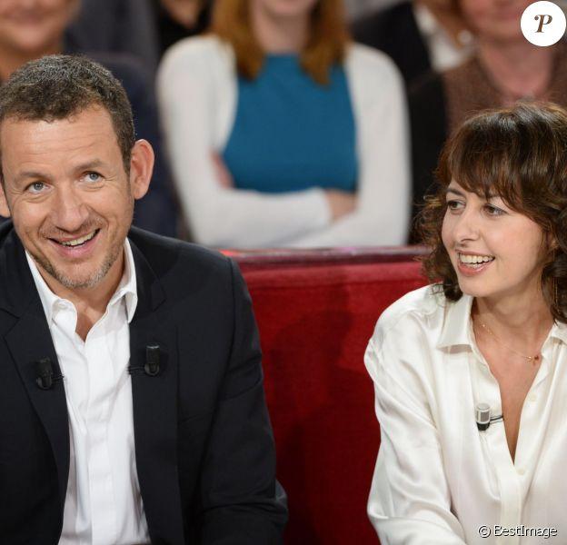 """Dany Boon et Valérie Bonneton lors de l'enregistrement de l'émission """"Vivement Dimanche"""" à Paris le 18 septembre 2013, qui sera diffusée le 22 septembre."""