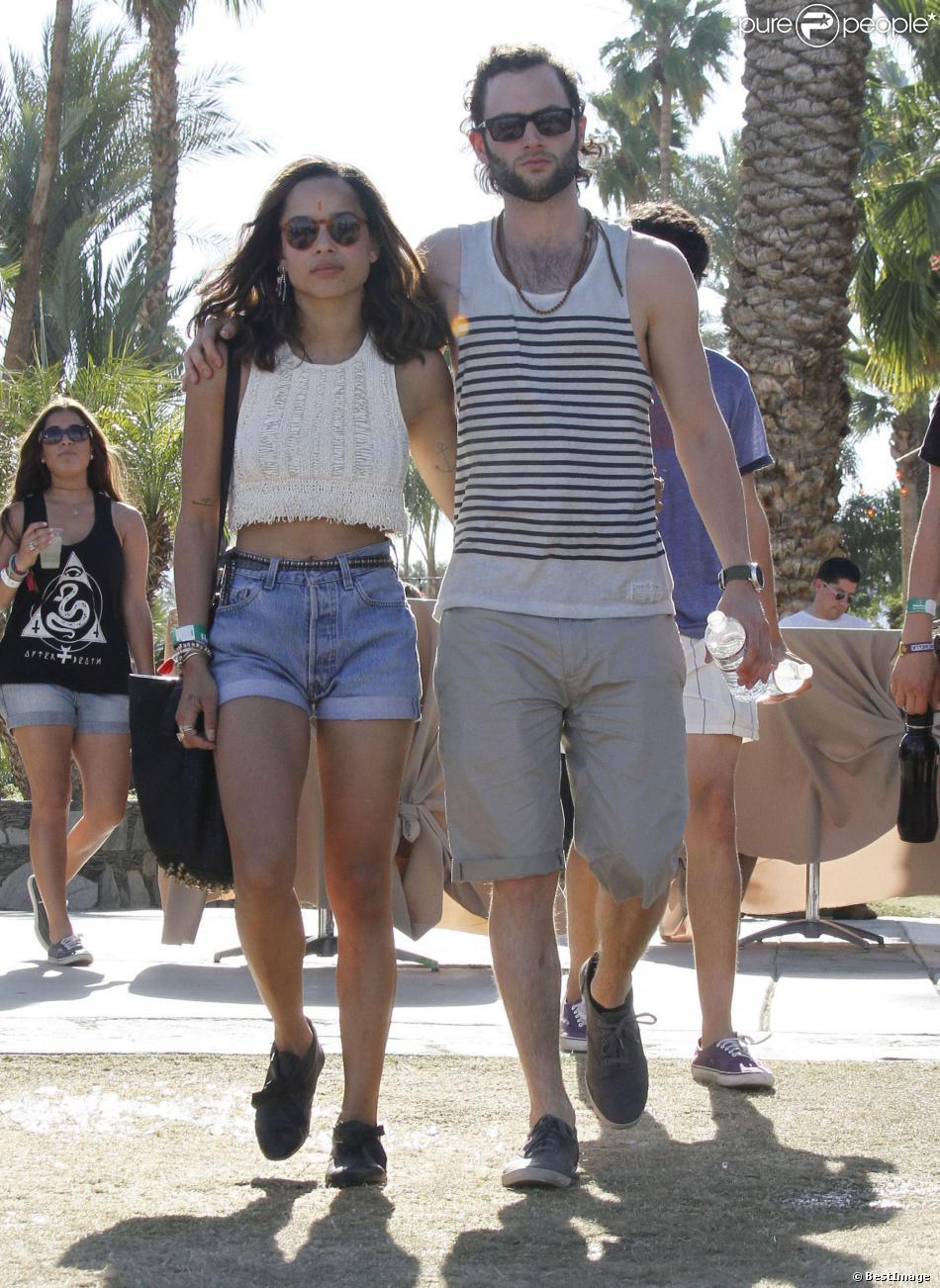 Penn Badgley et Zoë Kravitz au Festival Coachella à Indio, le 22 avril 2012.