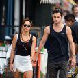 Zoë Kravitz et son petit ami Penn Badgley dans les rues de New York, le 14 juillet 2012.