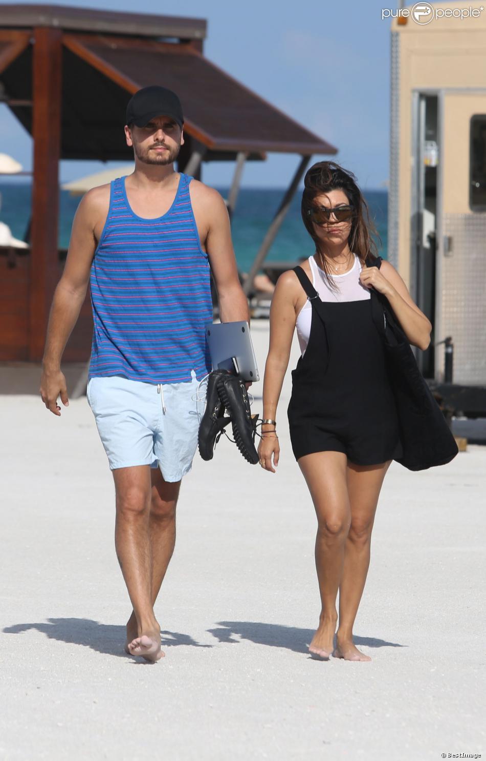 Kourtney Kardashian et son petit ami Scott Disick à Miami le 28 septembre 2013 à Paris.