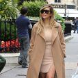 Kim Kardashian se balade avenue Montaigne Avenue à Paris, le 30 septembre 2013.