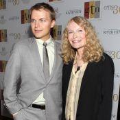 Mia Farrow admet que Ronan peut être le fils de Frank Sinatra, pas Woody Allen