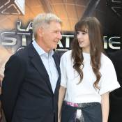 Hailee Steinfeld : Fashionista stylée face à Harrison Ford
