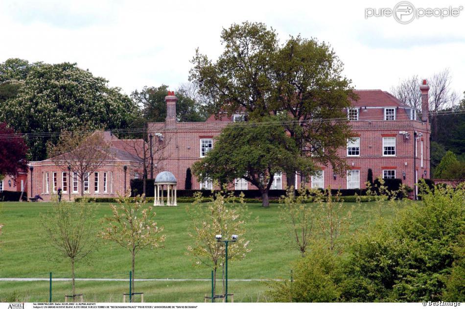 Beckhingham Palace, la maison de Victoria et David Beckham, au Nord de Londres, en mai 2002, vendue 19 millions de dollars.