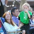 La jolie Marcia Cross et son mari Tom Mahoney assistent au match de foot de leurs filles Savannah et Eden à Brentwood, Los Angeles, le 5 octobre 2013.