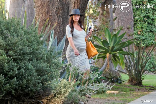 Love Hewitt se rend chez une amie à Santa Monica, Los Angeles, le 4 octobre 2013.