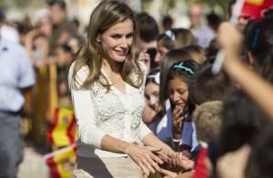 Letizia d'Espagne : Rayonnante et chic, la princesse s'offre un bain de foule
