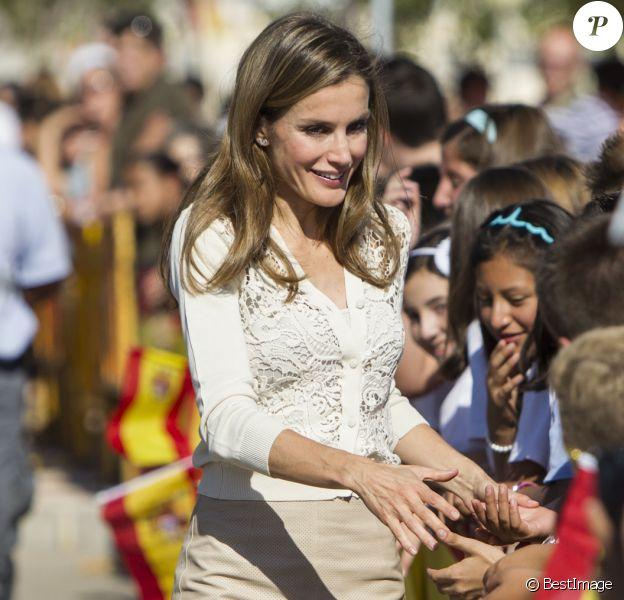 La jolie princesse Letizia d'Espagne lors du Congrès National des Maladies rares à Murcie, le 18 Octobre 2013.