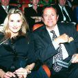 Sophie Favier et Georges Descrières à Cannes en mars 1995.