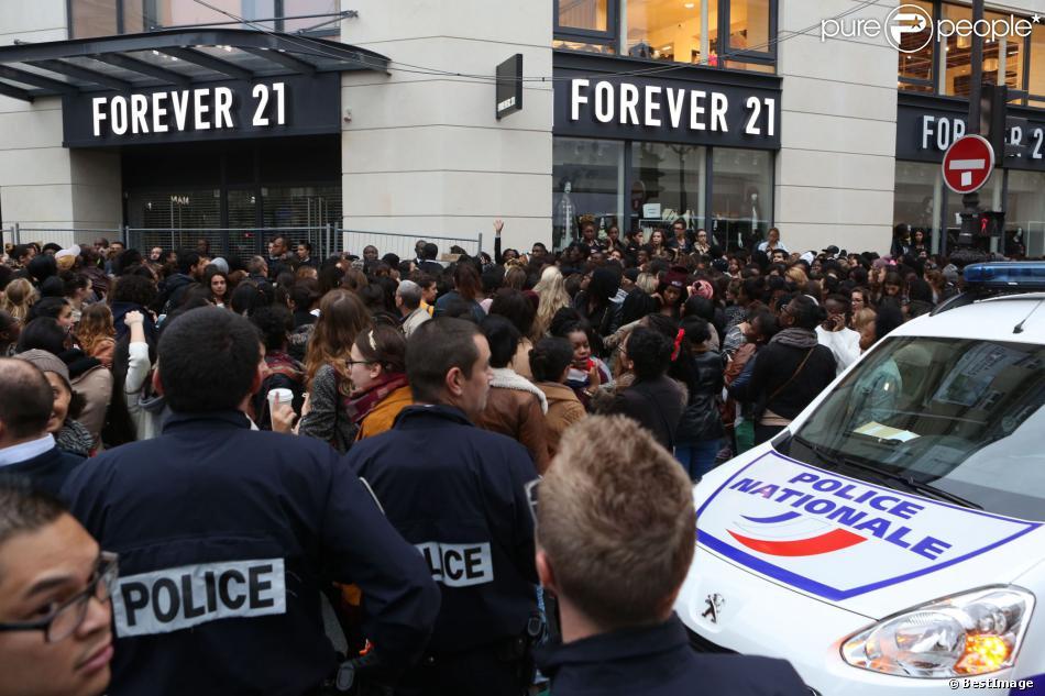 Emeutes lors de l 39 ouverture du magasin forever 21 paris le samedi 26 o - Ouverture magasin paris ...